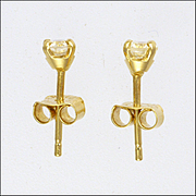 English Diamond 0.35 Carat Stud Earrings on 18K Gold