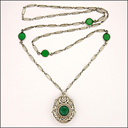 Austrian Arts and Crafts 900 Silver and Chrysoprase Agate Pendant Necklace