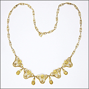 French 1930's 18K Roses Necklace - 16½inches  - 7.8 grams
