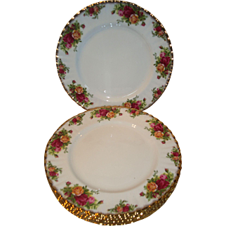 Royal Albert Old Country Roses Dinner Plates (1962)