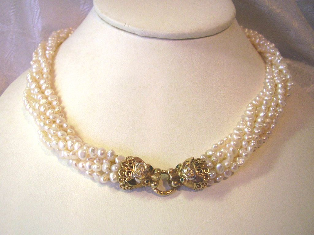 how to clean cultured pearl necklace