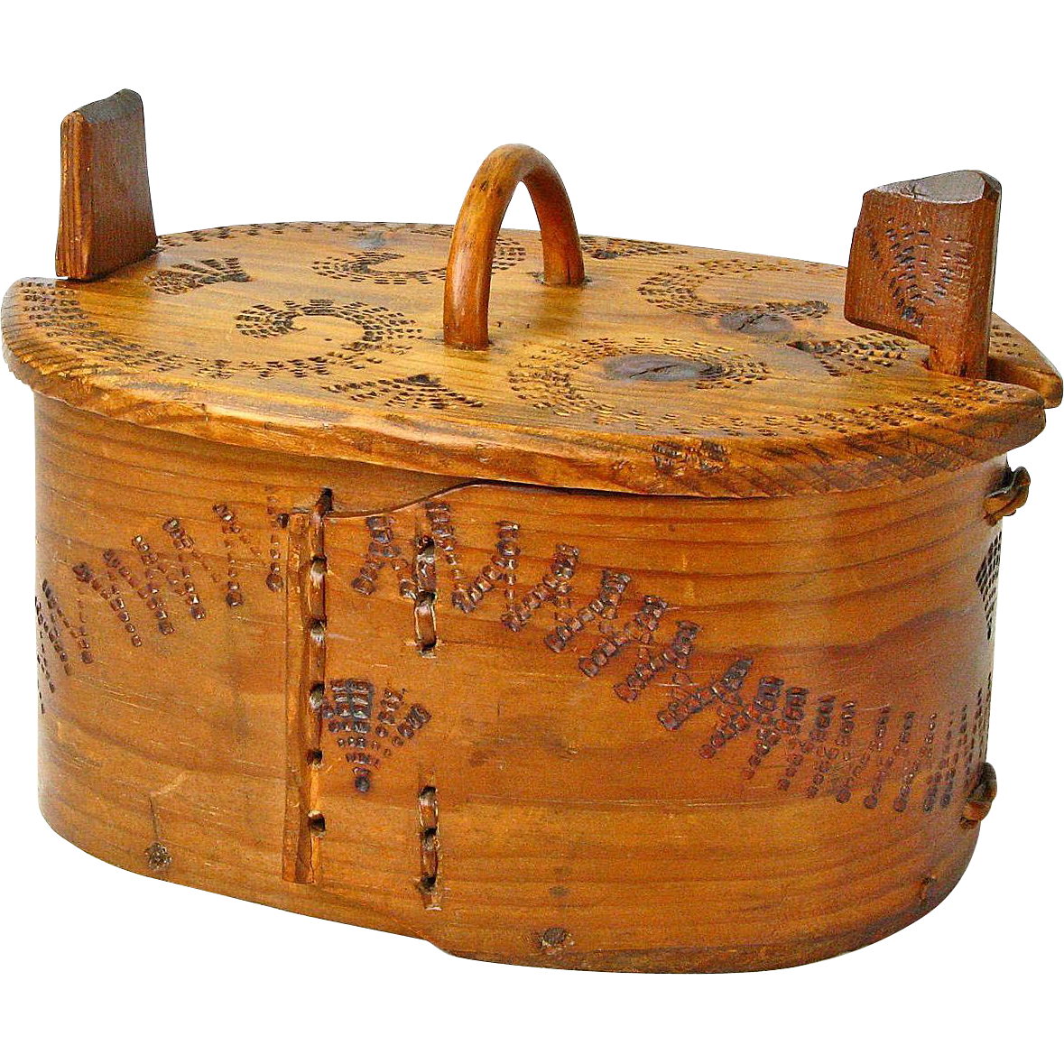 Poker Decorated Norwegian Tine w/ Locking Lid  from Bergen, Ca. 1880