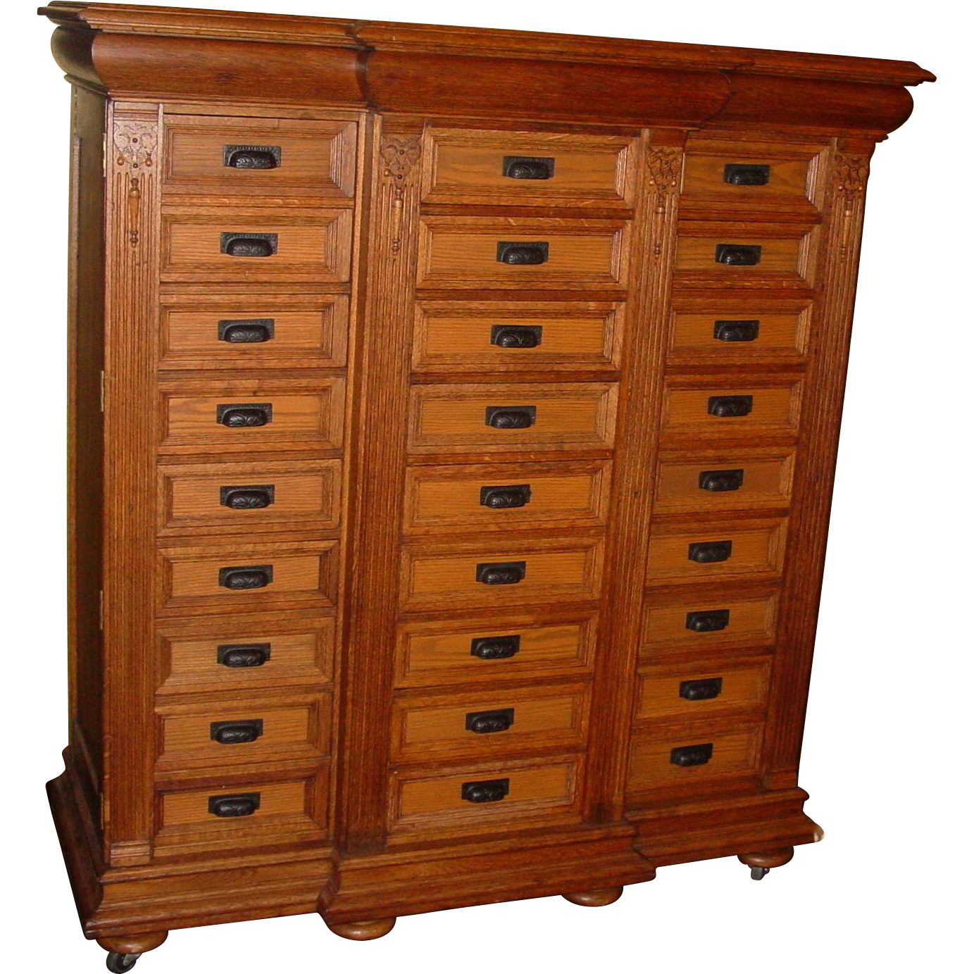 Exceptional fancy quartered oak 27 drawer case