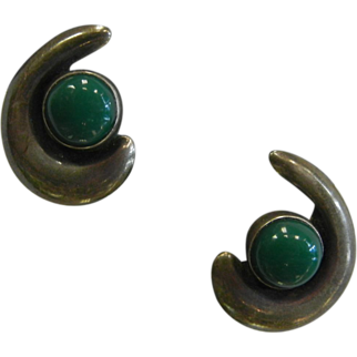 Vintage Mexican Silver Screw-Back Earrings w/ Green Stone