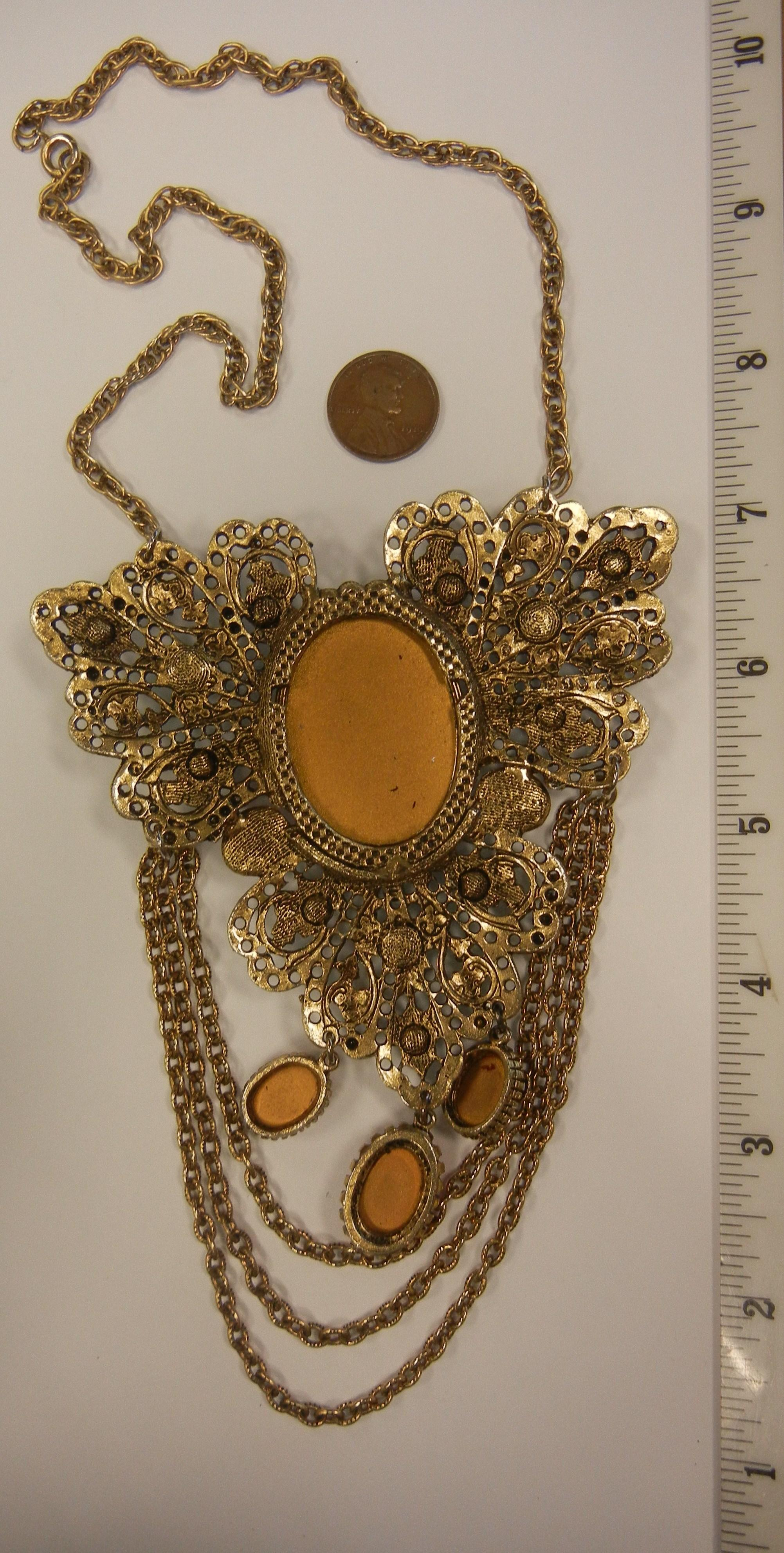 Awesome modern baroque revival style statement necklace for Modern baroque style
