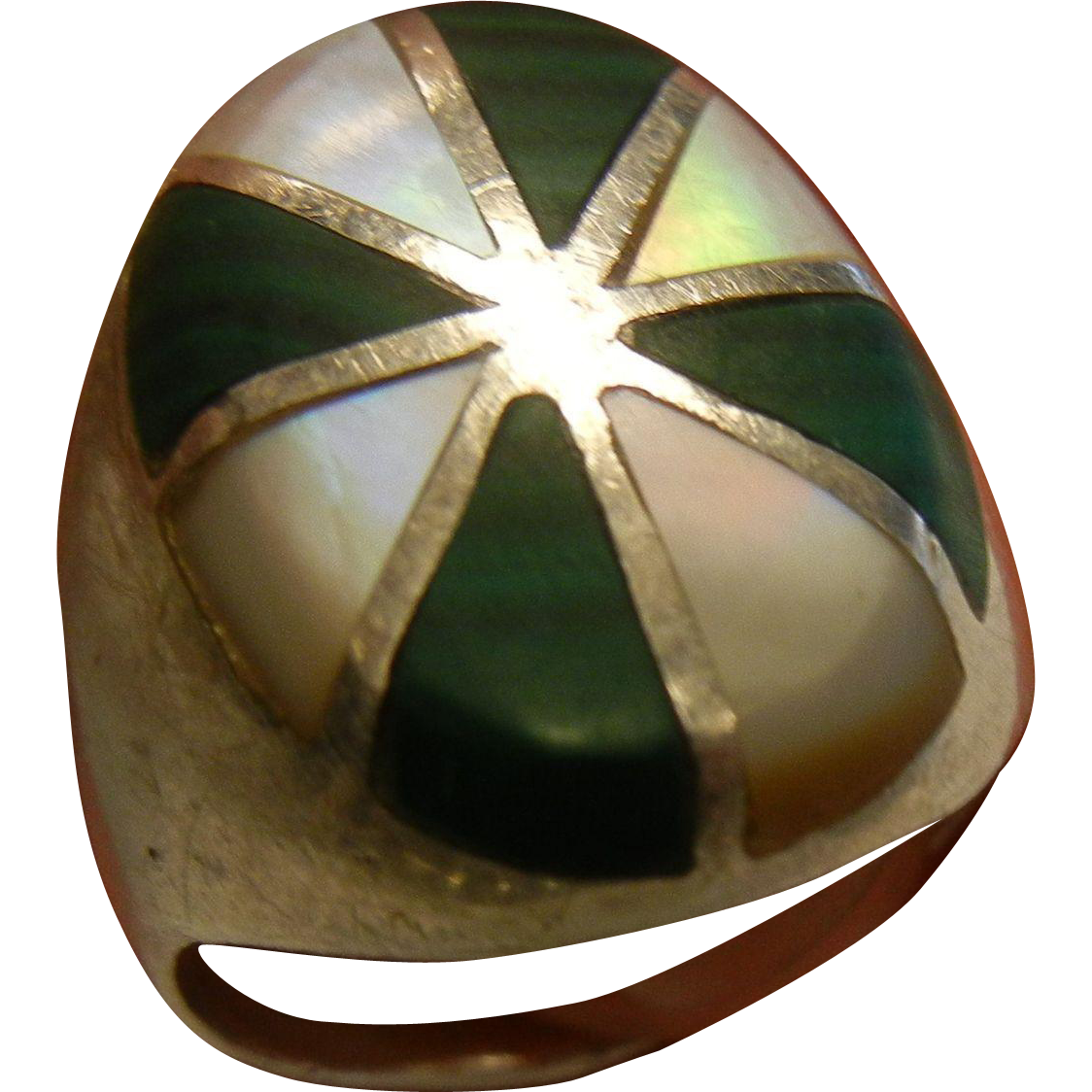 Unique Radial Natural Mother of Pearl & Malachite Inlaid Sterling Silver Ring - Size: 11