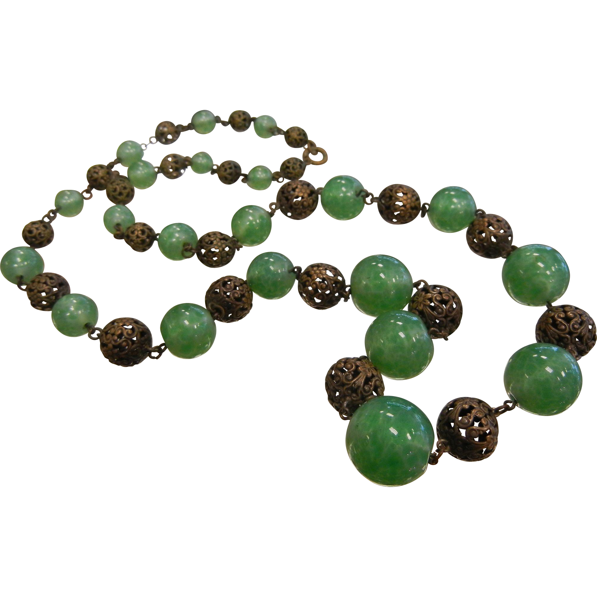 Vintage Graduated Green Glass & Filigree Bead Necklace