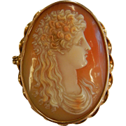 Antique Intricately Hand Carved Cameo 14K Gold Brooch