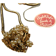 Vintage Elizabeth Taylor Jewels of Fashion Gold-Tone Faux-Pearl Roses Heart Pendant Necklace