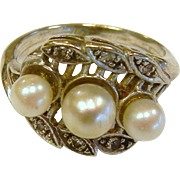 Fine 14K White Gold Diamond & Cultured Pearl Ring - Size: 3.5