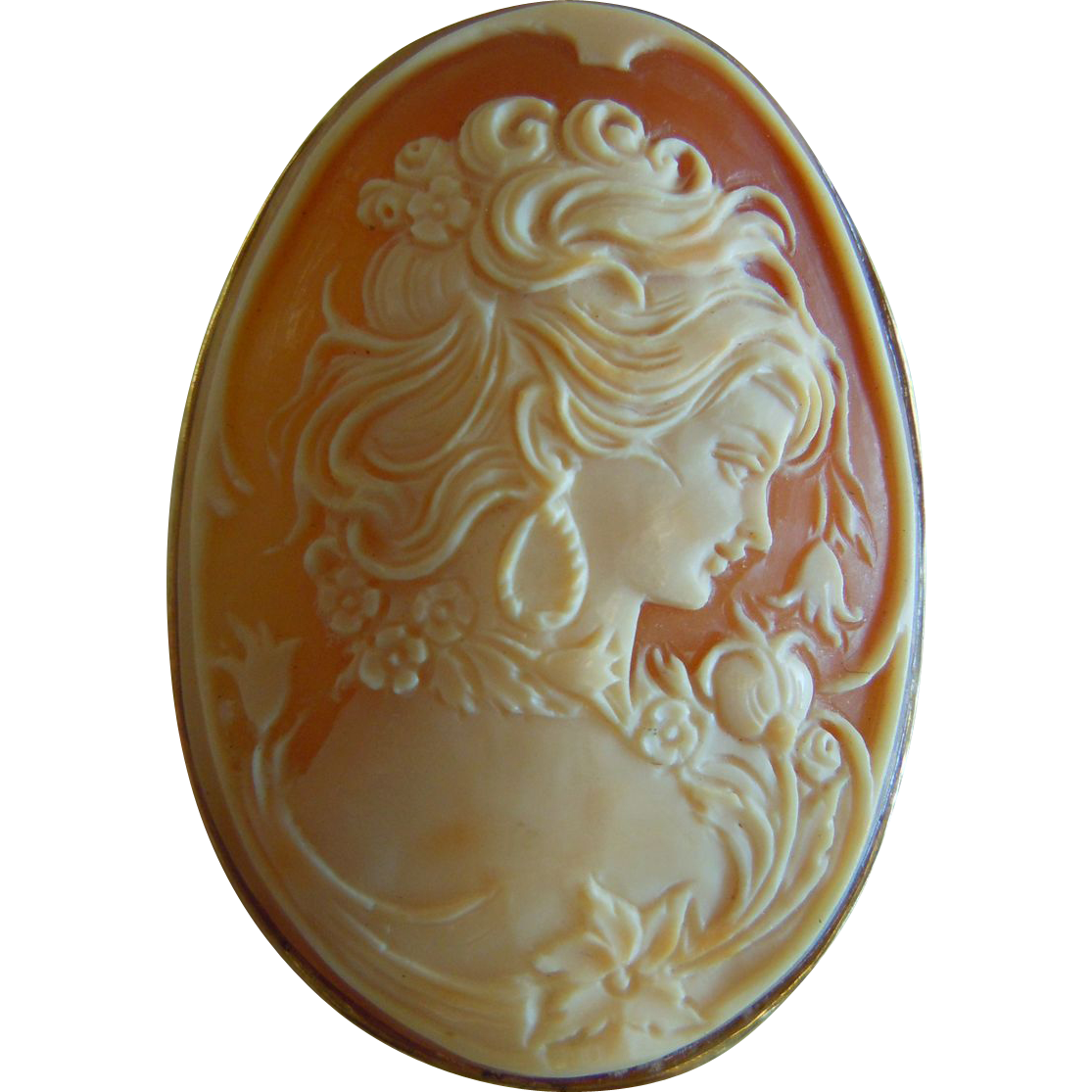 Stunning Carved Natural Cameo
