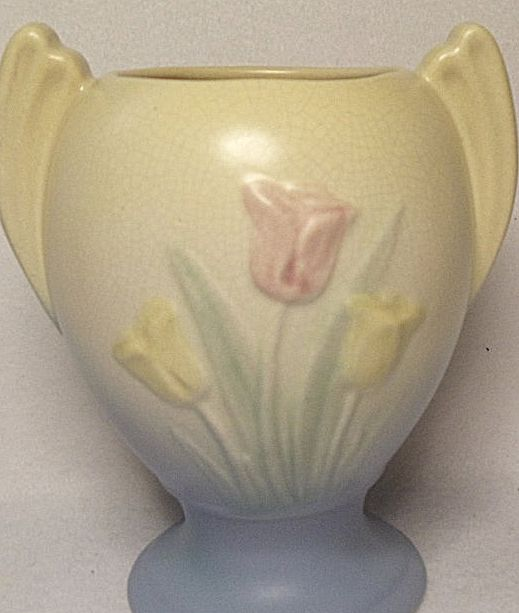 SALE - Vintage Hull Pottery Sueno Tulip Vase #111-33-6 Cream and Blue