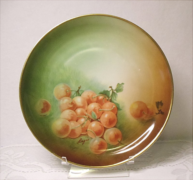 Vintage Hutschenreuther Selb Bavaria Germany Cherries Cabinet Plate