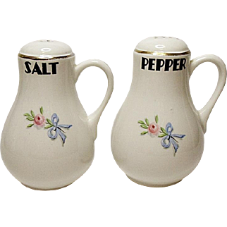 Vintage Hall Wildfire Handled Salt and Pepper Shakers - Range Size
