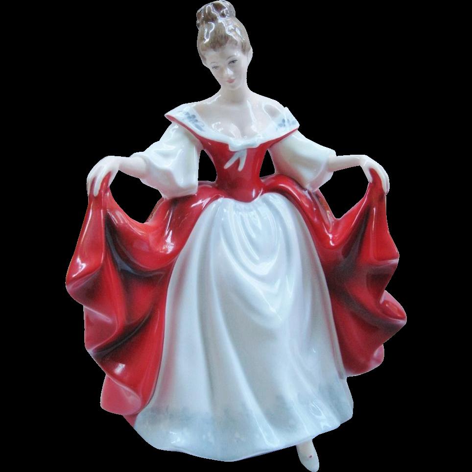 Royal Doulton Sara HN 2265 England Retired Figurine