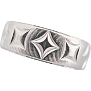 Vintage White Gold Ring Band 10 K Ring With Geometric Pattern
