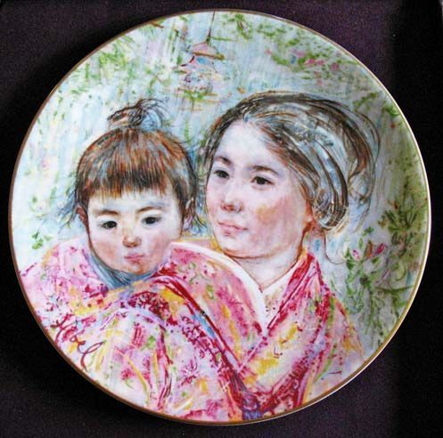 Edna Hibel 'Sayuri & Child' Signed, Royal Doulton, 1974 - Collector's Art Plate, Limited Edition, Box, China