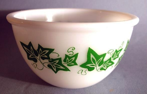 RARE Vintage 'Milk Glass' Bowl, Green Ivy Leaf Pattern, Vintage, Kitchenware, Dining
