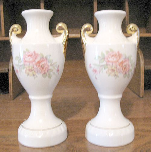 Vintage Collectible Pair Bud Vases With Floral Motifs 1940-50s Mint