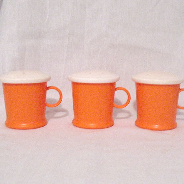 Vintage Collectible 3-Plastic Shakers by Westland Plastics Inc. 1950-60s Mint condition