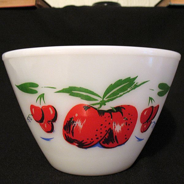 Vintage Collectible 4 Quart Large Fire King Splash Proof Bowl Apple Motif Anchor Hocking Mint Unused Condition