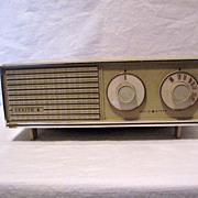 Vintage Retro Collectible Zenith Solid State Table Radio AM Only Works & Sounds Great 1950-60s