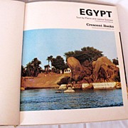 Vintage Book On Egypt by Pierre & Janine Soisson Excellent Condition 1979