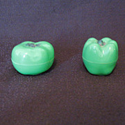 Vintage Collectible Hard Plastic Tomato & Pepper S & P Shakers 1950-60s Like New Condition
