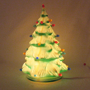 Vintage Molded Plastic Christmas Tree with 27 Prisms Lights 1950-60s Very Good Vintage Condition