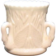 Vintage Westmoreland Milk Glass 3 Swan Toothpick/Cigarette Holder 1980 Excellent Condition