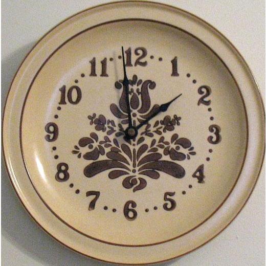 Vintage Pfaltzgraff Kitchen Clock Village Pattern 1970s Very Good Condition