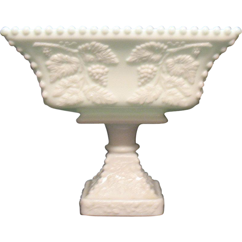 Vintage Westmoreland Large Pedestal Flared Bowl Beaded Panel Grape Motif Good Vintage Condition