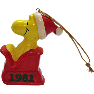 Vintage United Artist Inc. Ceramic Woodstock on Sleigh Christmas tree Ornament 1981 Good Condition