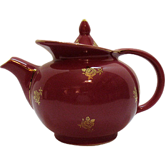 Vintage 6 Cup Maroon Hall Teapot Windshield Pattern with Standard Gold Motif 1940-50s Good Condition