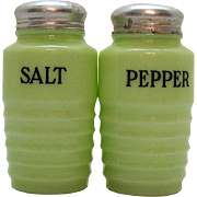 Vintage Jadeite S&Ps Shakers Jeannette 1940-50s Good Condition