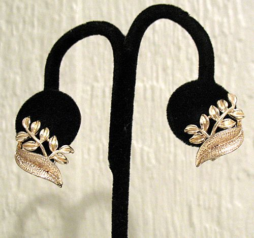 50% OFF~Vintage Signed Coro Clip Earrings Floral Gold Tone~Unworn