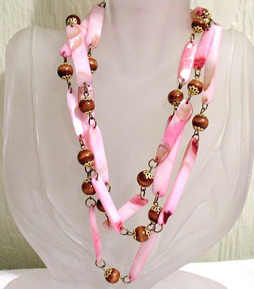 50% OFF~Rare Vintage Necklace Pink Aquatic Mollusk Lip Shell Wood Beaded