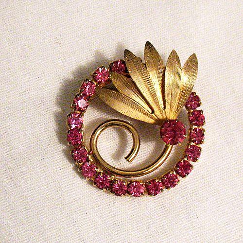 50% OFF~Amazing Vintage Pink Rhinestone Floral Eternity Brooch~Unsigned Trifari