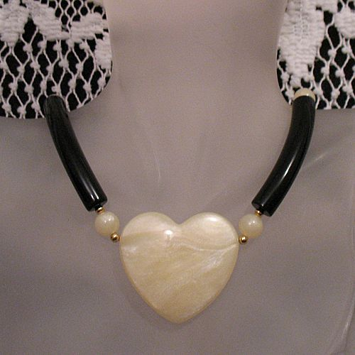 50% OFF~Beautiful Unique Vintage Marbled Heart Necklace