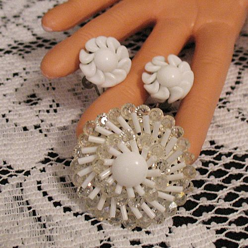 50% OFF~Vintage Milk Glass Brooch Earrings Set~Hard to Find Silver Findings