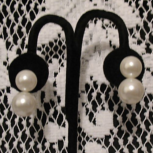 50% OFF~Fabulous Vintage Big Bold  Earrings~White Glass Double Pearls