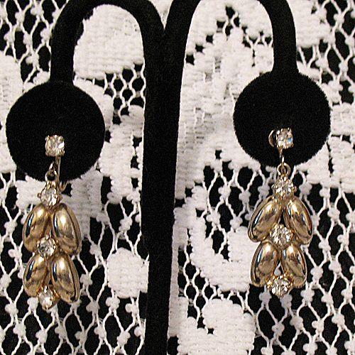 50% OFF~Beautiful Vintage Dangle Rhinestone Screw Back Earrings~MINT