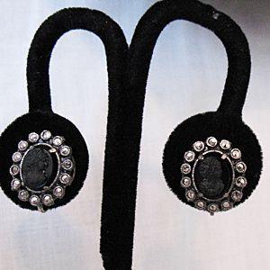 50% OFF~Beautiful Vintage Black Onyx Cameo Screw Earrings