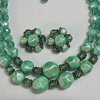 50% OFF~Vintage Marbled Lucite Jade Colored Beaded Necklace Earrings Set
