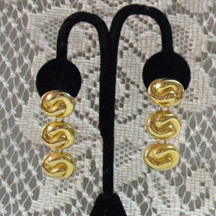 50% OFF~Vintage Bold Gold Plated Dangle Pierced Earrings