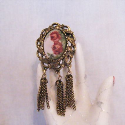 50% OFF~Gorgeous Vintage Rose Painted Ceramic Tassel Brooch Floral
