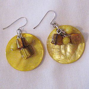 50% OFF~Gorgeous Vintage Pierced Earrings Natural Yellow Sea Shell Tigers Eye