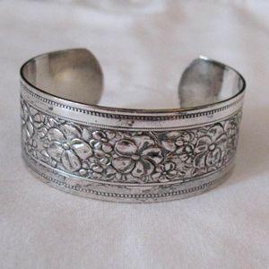 Vintage Floral Silver Metal Etched Cuff Bracelet