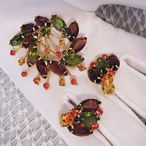 Vintage Juliana DeLizza  Elster Brooch Earrings Set
