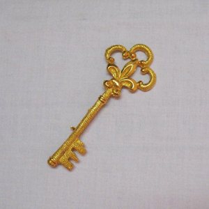 Beautiful Vintage Signed Coro Skeleton Key Brooch 4 Inches Long